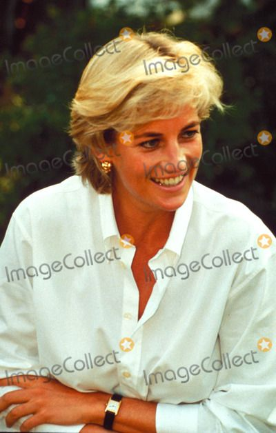 August 9, 1997: Diana, Princess of Wales visited Bosnia as part of her campaign to ban landmines.  Photo by Alpha-Globe Photos