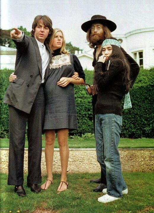 Paul And Linda McCartney John Lennon Yoko Ono At The Lennons Tittenhurst Home Occasion Was Very Last Photo Session With All Beatles