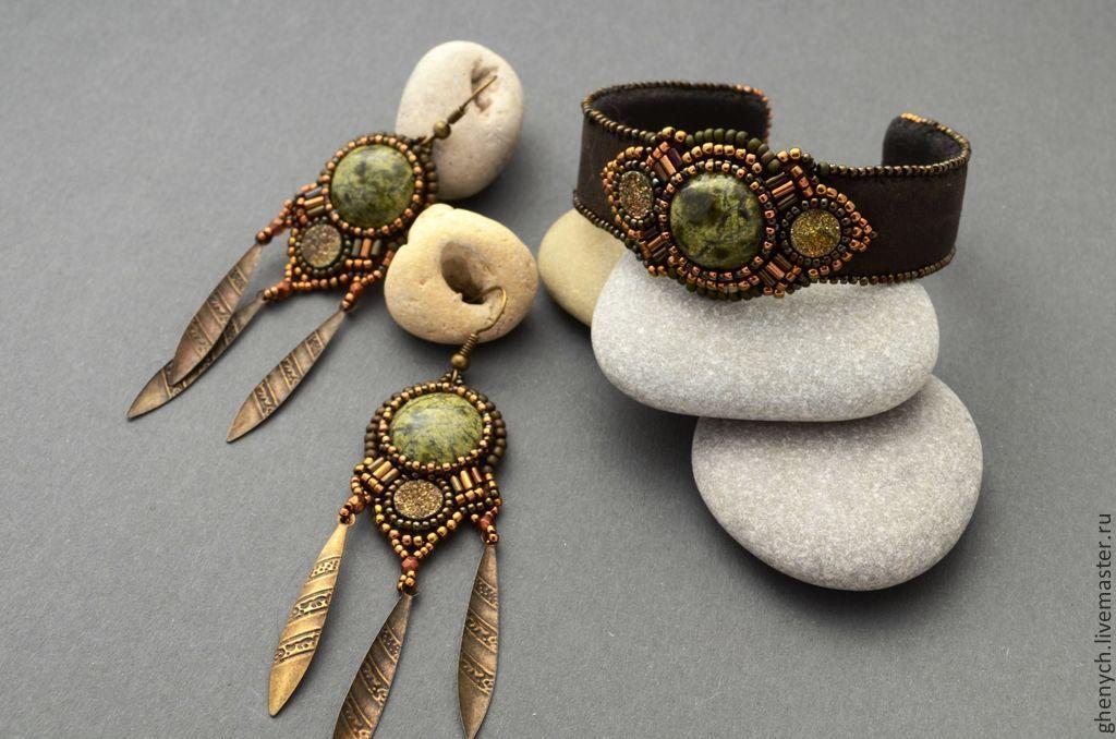 """Купить Комплект """"Охотница"""" - коричневый, змеевик, пирит, золотой, аторская работа, стильное украшение, змеевик"""