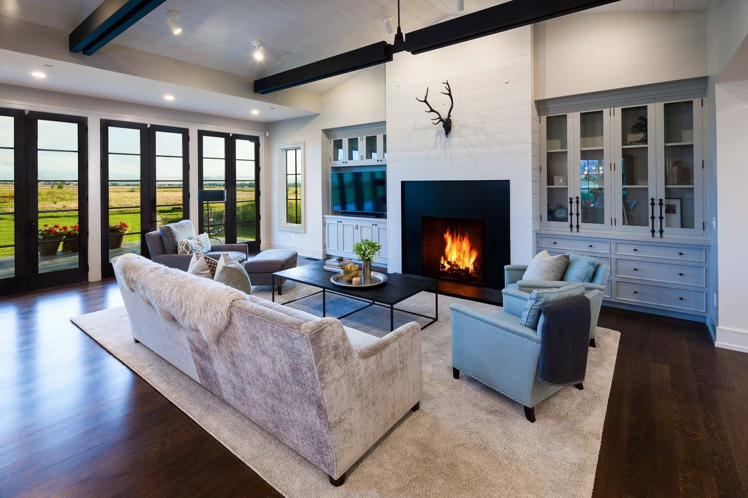 Modern Farmhouse In Montana With Surprising Details