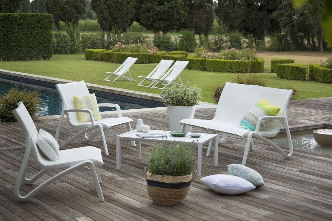 esprit lounge pour ce salon de jardin l gant et confortable qui transforme la terrasse en