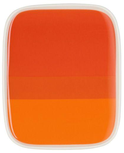 Colorfull plate from Marimekko / Marimekkos porslinstallrik ramar in måltiden. Design: Oiva Hennika