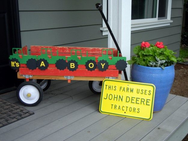 A Farm Themed Baby Shower decorations at