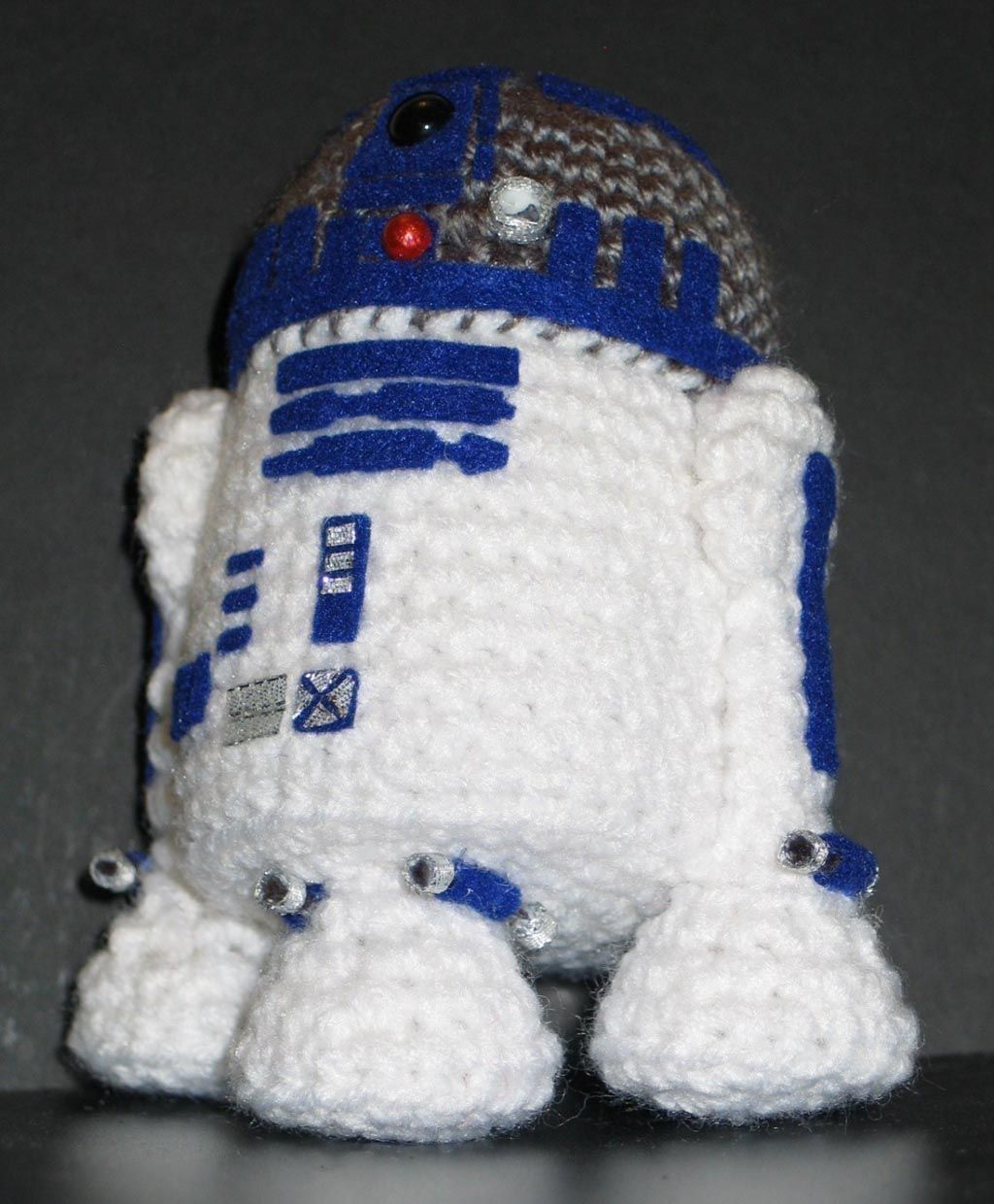Make Your Own Star Wars R2 D2 Amigurumi May The Force Be With You