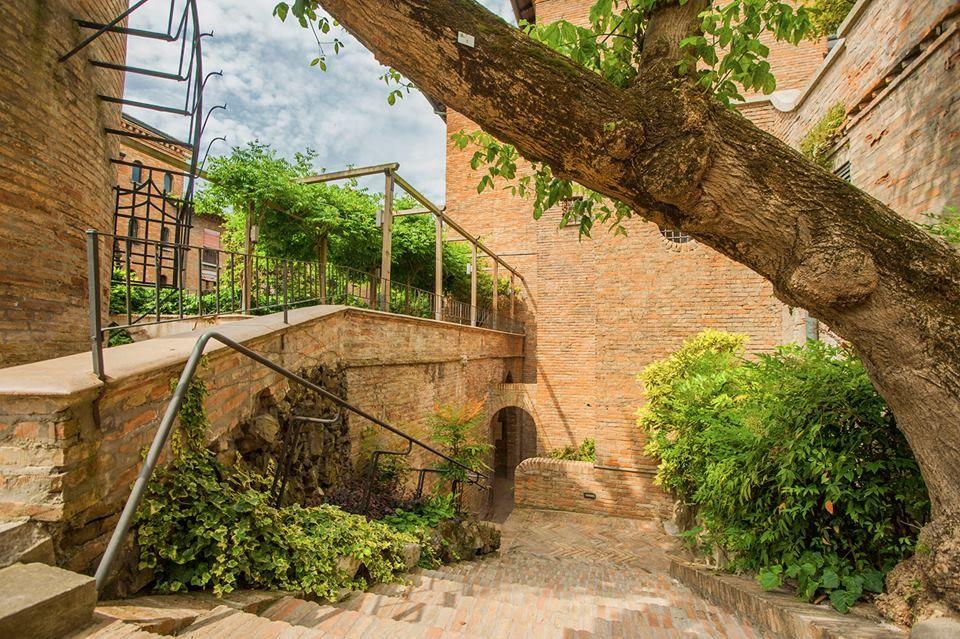 Misteri e storie che si nascondono dietro ai giardini
