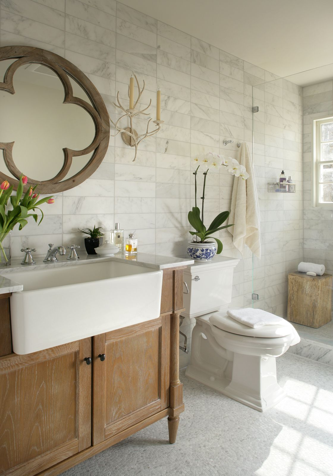 Guest Bathroom as designed with Joe Parisi Interiors. Photography by ...