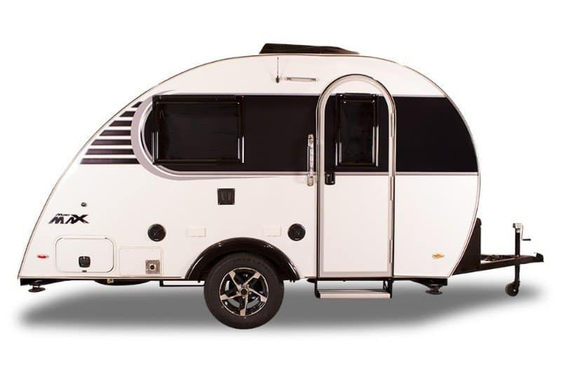 15 Fantastic Small Campers Travel Trailers Rvs With Bathrooms