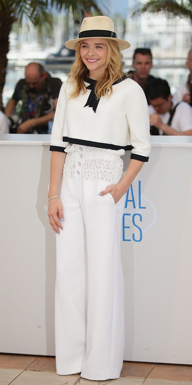 Chloe Grace Moretz in a fabulously très chic ensemble.