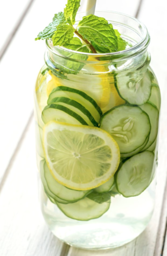 Khloe Kardashian's slimming cucumber water + 9 other detox drinks you must try