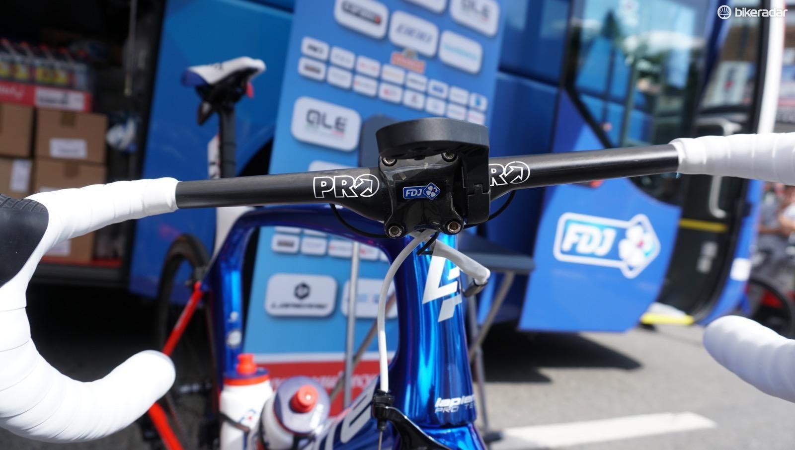 Demare Wins Tour Stage On New Pro Vibe Aero Bar Tour De France Tours Vibes