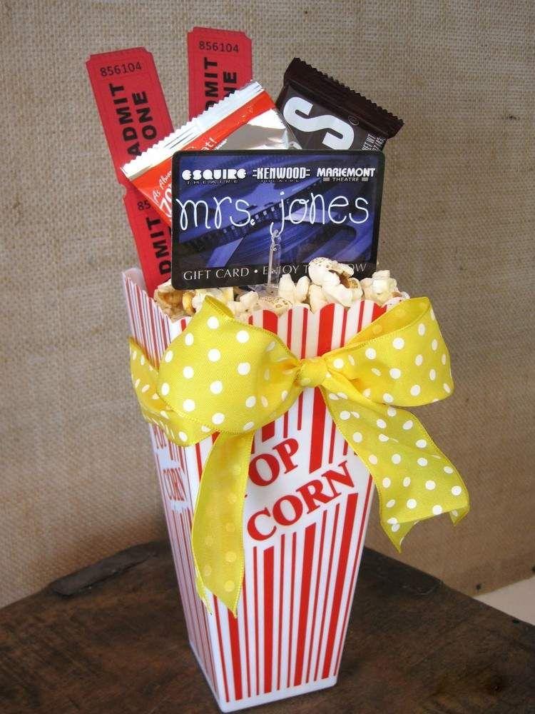 Kinogutschein mit Popcorn und Süßigkeiten als Geschenk für Lehrer ...