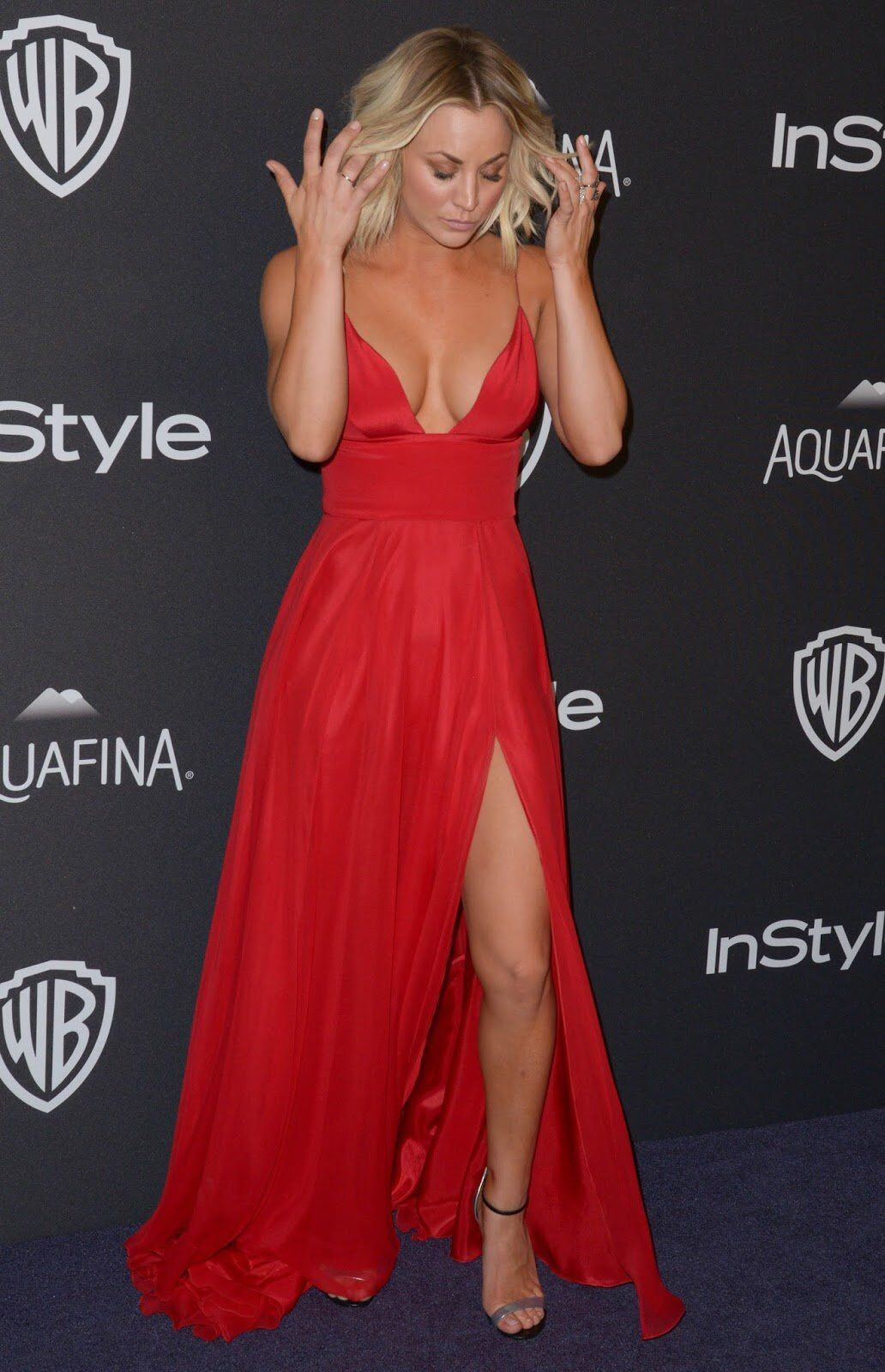 What One Hot Hot Foxy Mama Kaley Cuoco Dresses Red Dress