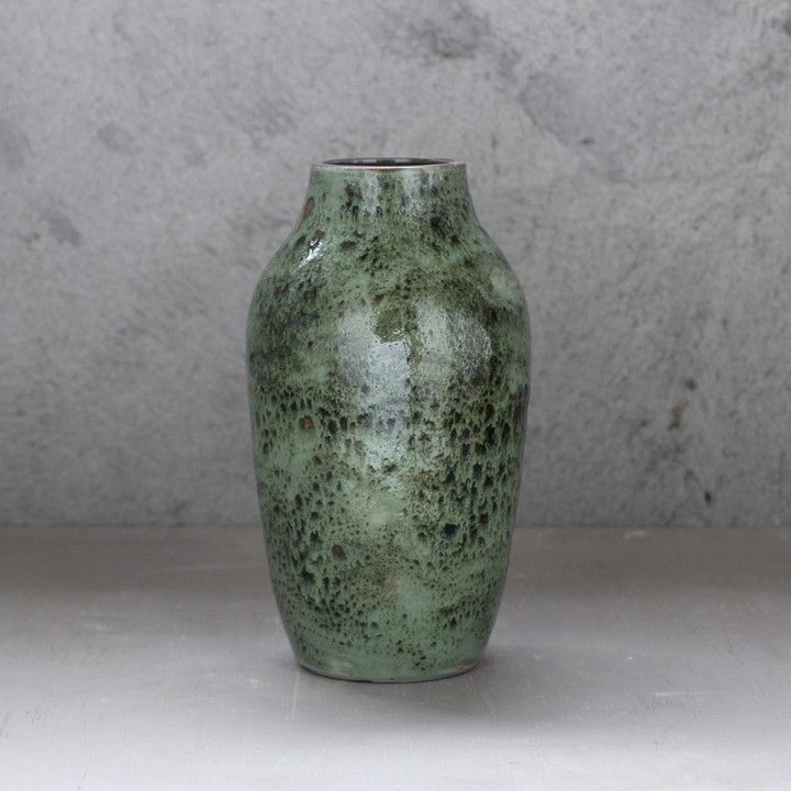 Vase In Sf Tung Chiang From Heath Ceramics Gallery On Square