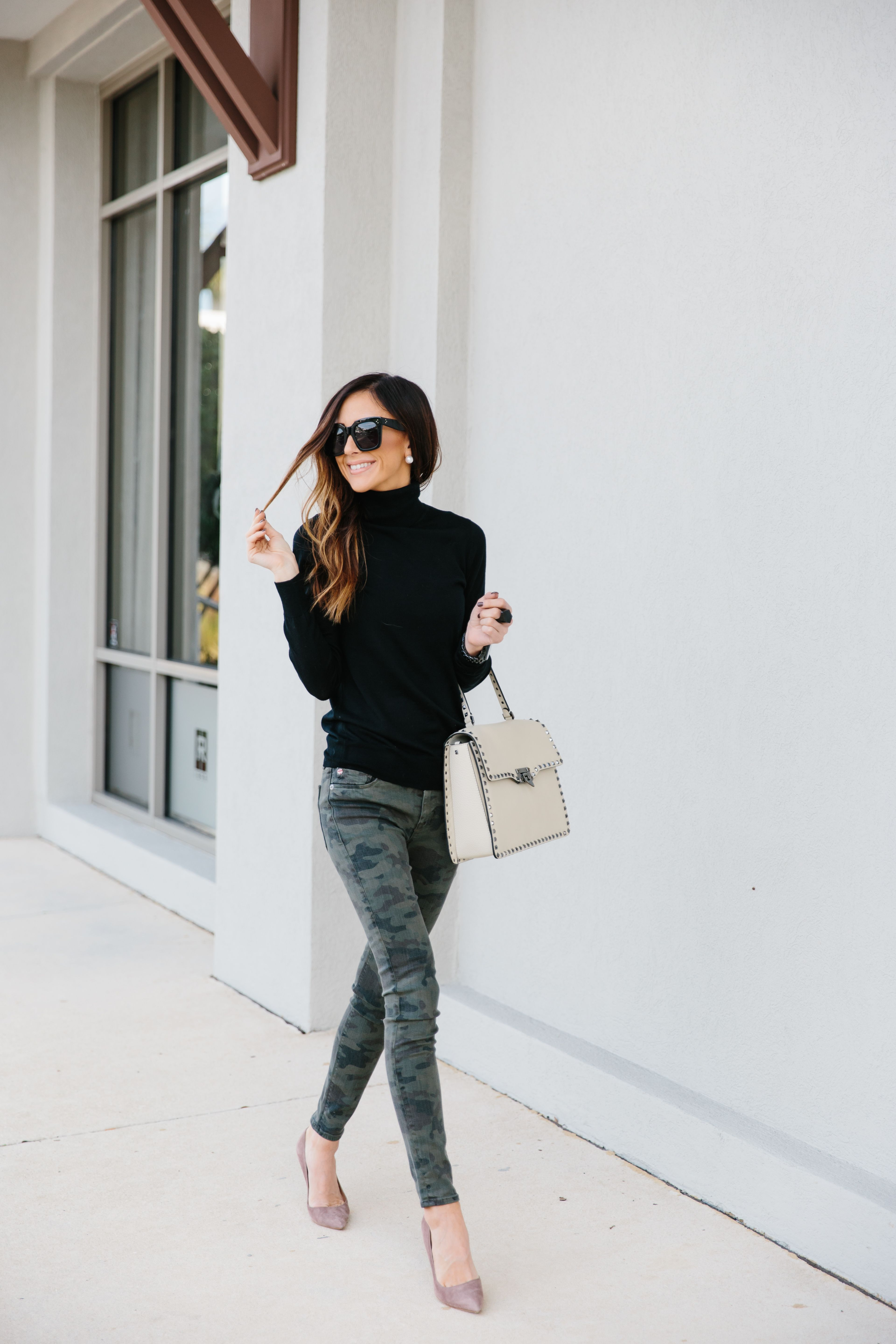 Would you believe me if I told you that camo pants can be dressed up  It s  true. Showing you how to dress them up today + how I styled a white handbag! bc363c0f3922