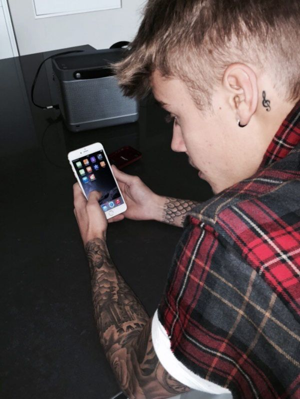 Justin Bieber S Got New Iphone 6 Plus From Att For Free I Love Justin Bieber Justin Bieber Images Justin Bieber