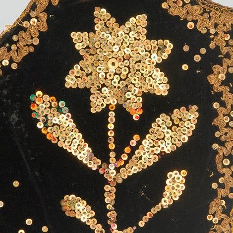 Floral motif embroidered with sequins on a woman's bodice.  Western Krakowiak Folk, Damienice, P. Bochnia, early 20th c.