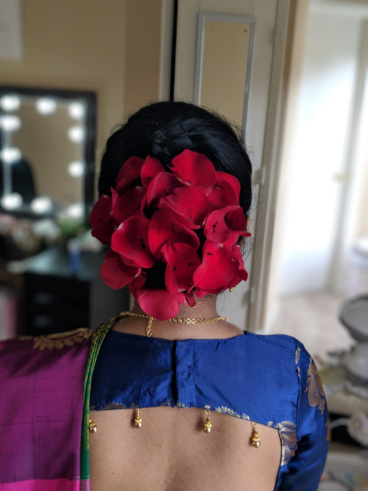 Bun Covered By Rose Patels Indian Hairstyle Hairstyle Pinterest