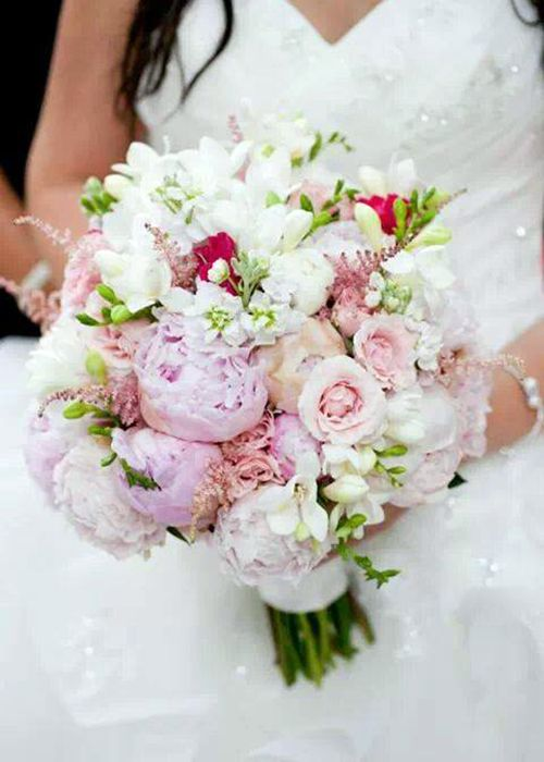 Pretty summer wedding bouquets pinterest romantic weddings soft peonies make for an extra romantic wedding bouquet junglespirit Gallery