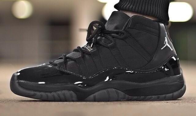 Blackout Jordan 11s 3d7b34925