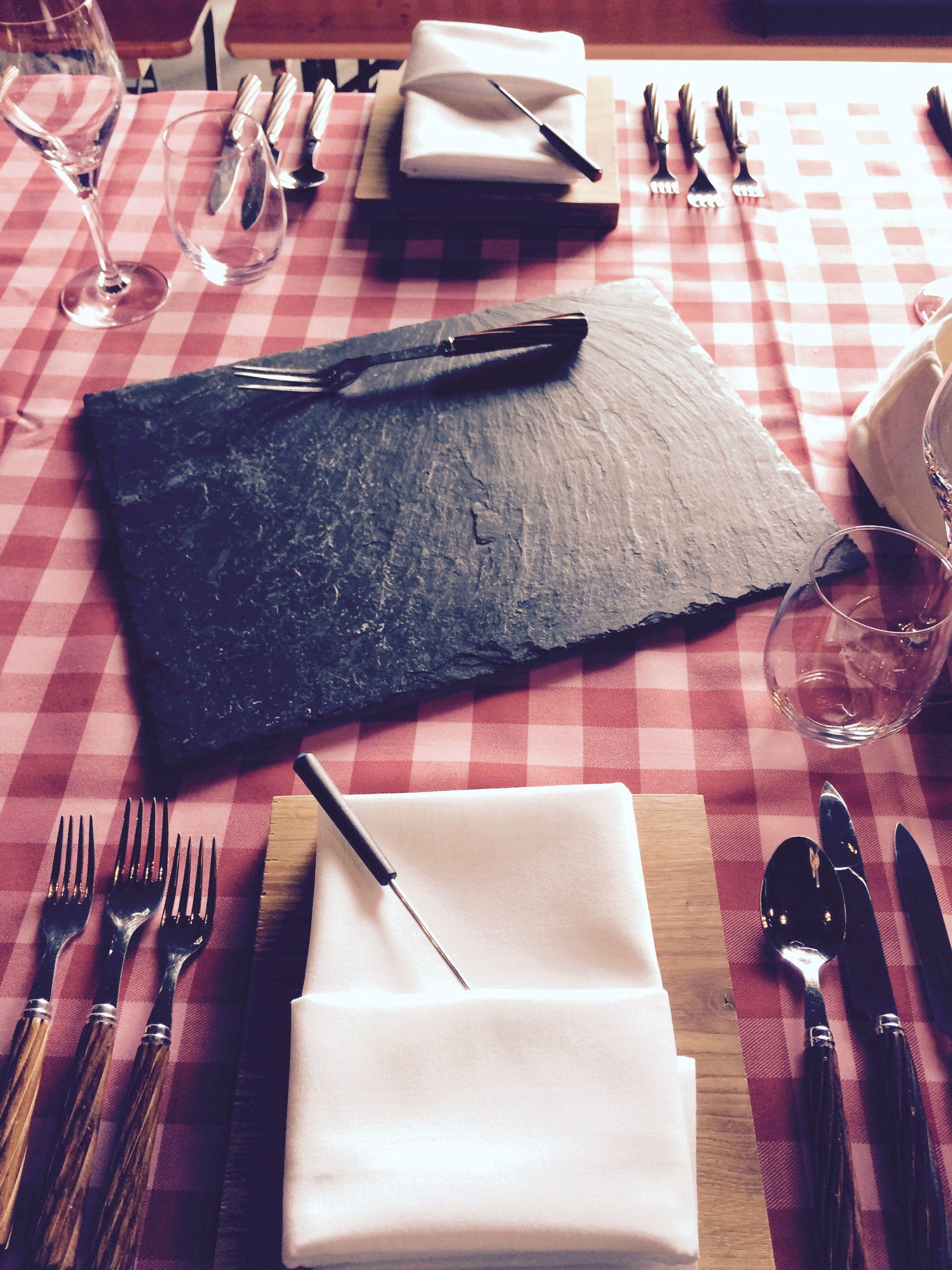 apres ski party table setting l 39 art de recevoir pinterest. Black Bedroom Furniture Sets. Home Design Ideas