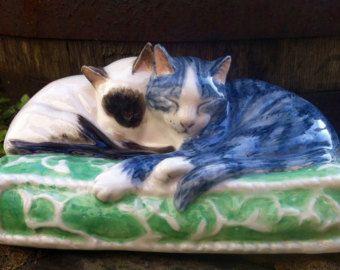 Gato Tabby gris navidad ornamento de la arcilla por HeartOfClayGirl