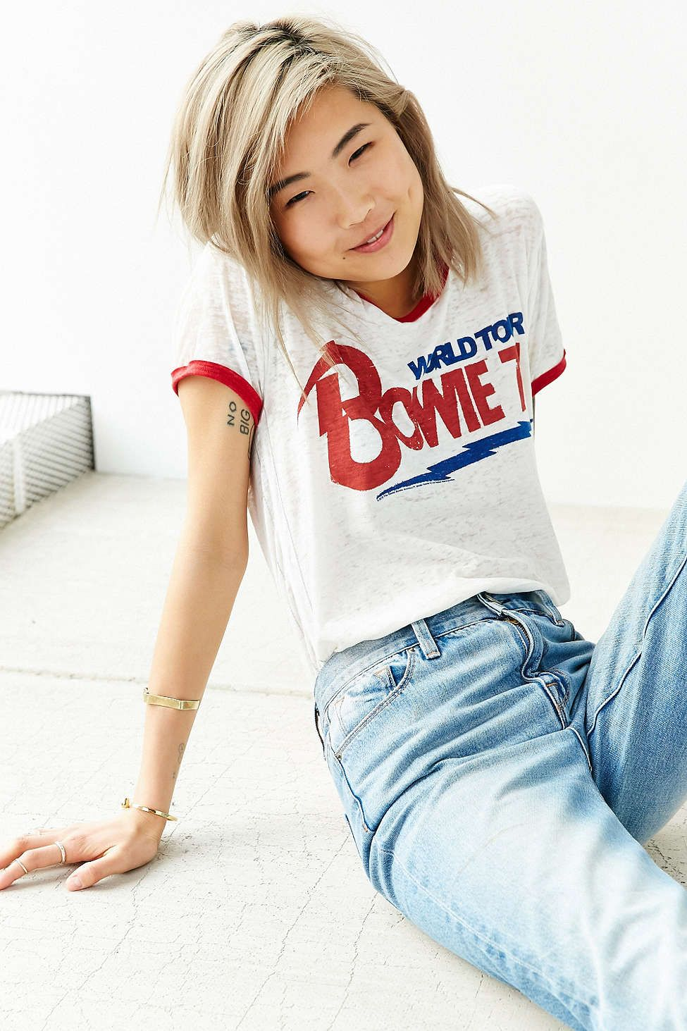 67393c9223 TRUNK LTD David Bowie Banded Tee - Urban Outfitters