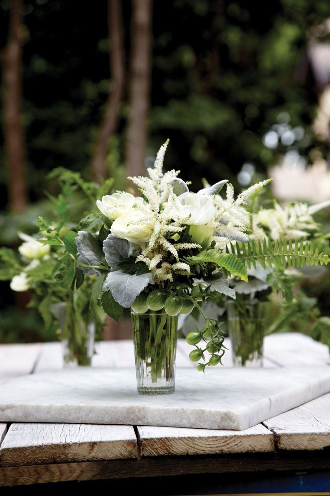 In Full Bloom: Bright and Beautiful Wedding Bouquets and Centerpieces   Minnesota Bride magazine