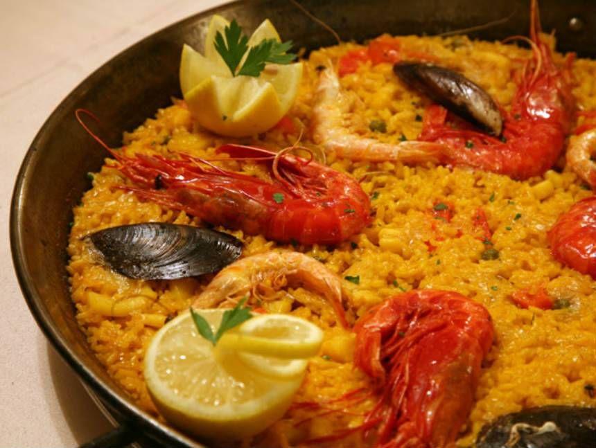 Arroz con Carabineros y Sepia en Paella. Reserva online en EligeTuPlato.es