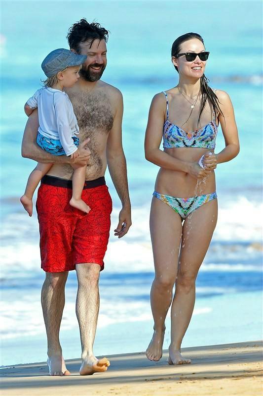 Olivia Wilde And Jason Sudeikis Show Off Matching Beach Bodies In Hawaii Celebrity Beach Body Olivia Wilde Olivia Wilde Bikini