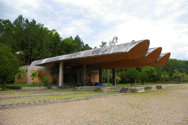 Eladio Dieste Em Apiuna Architecture Design Architecture Outdoor
