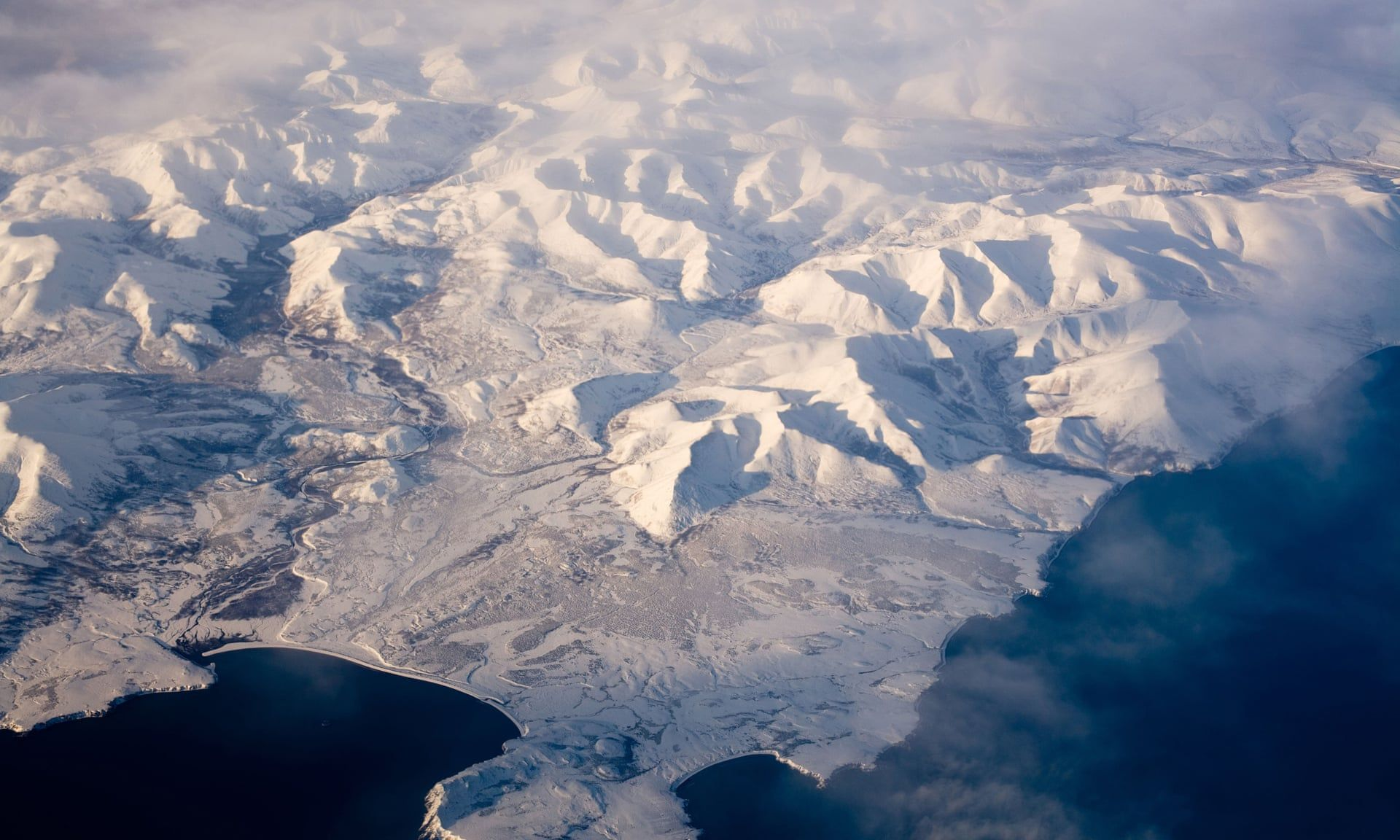 Polar Express Magnetic North Pole Speeds Towards Russia
