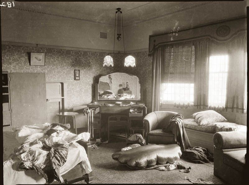 Resultado de imagen para messy room in the 1900s
