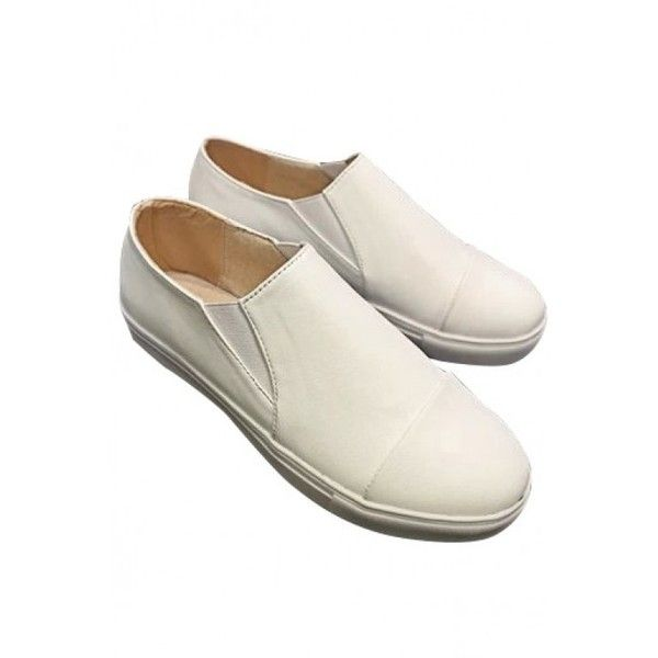 LUCLUC White Round Flat Shoes (2.095 RUB) ❤ liked on Polyvore featuring shoes, flats, lucluc, white flat shoes, flat pumps, flat heel shoes, flat pump shoes and white flats