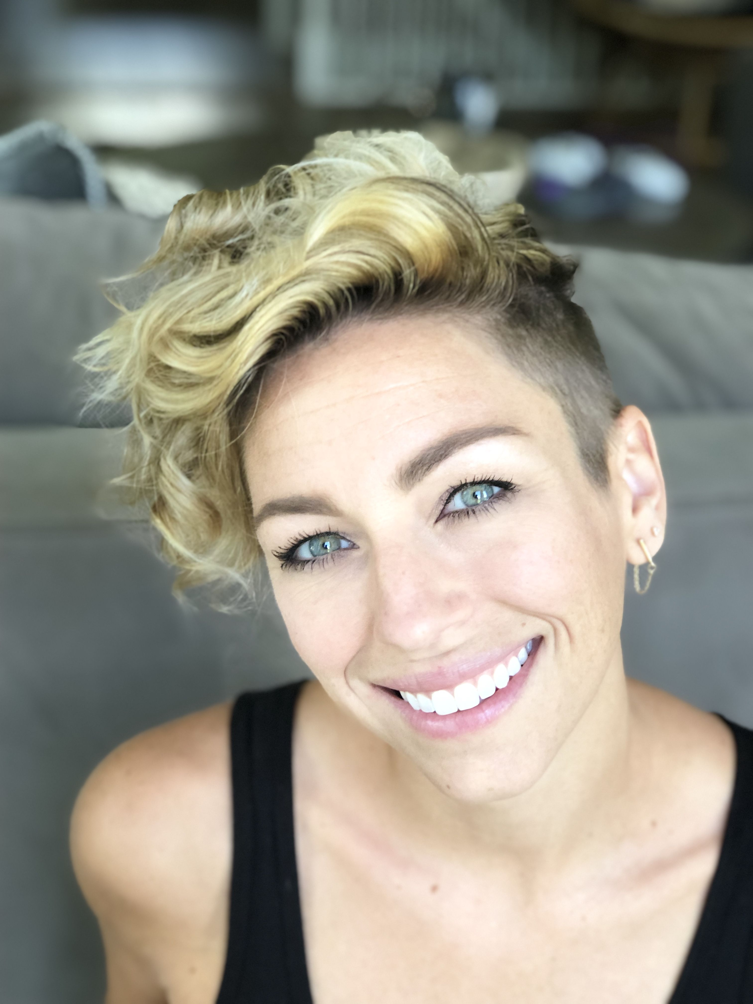 Diy Pixie Curly Pixie Haircuts Longer Pixie Haircut Shaved Side Hairstyles