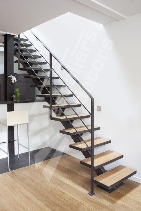 Photo DT79 - ESCA\u0027DROIT® sur Limon Central Escalier métal et bois d - escalier interieur de villa