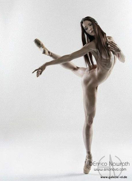 Beatrice Knop Primaballerina -Photo by Enrico Nawrath / a powerful performer for Staatsballett Berlin: