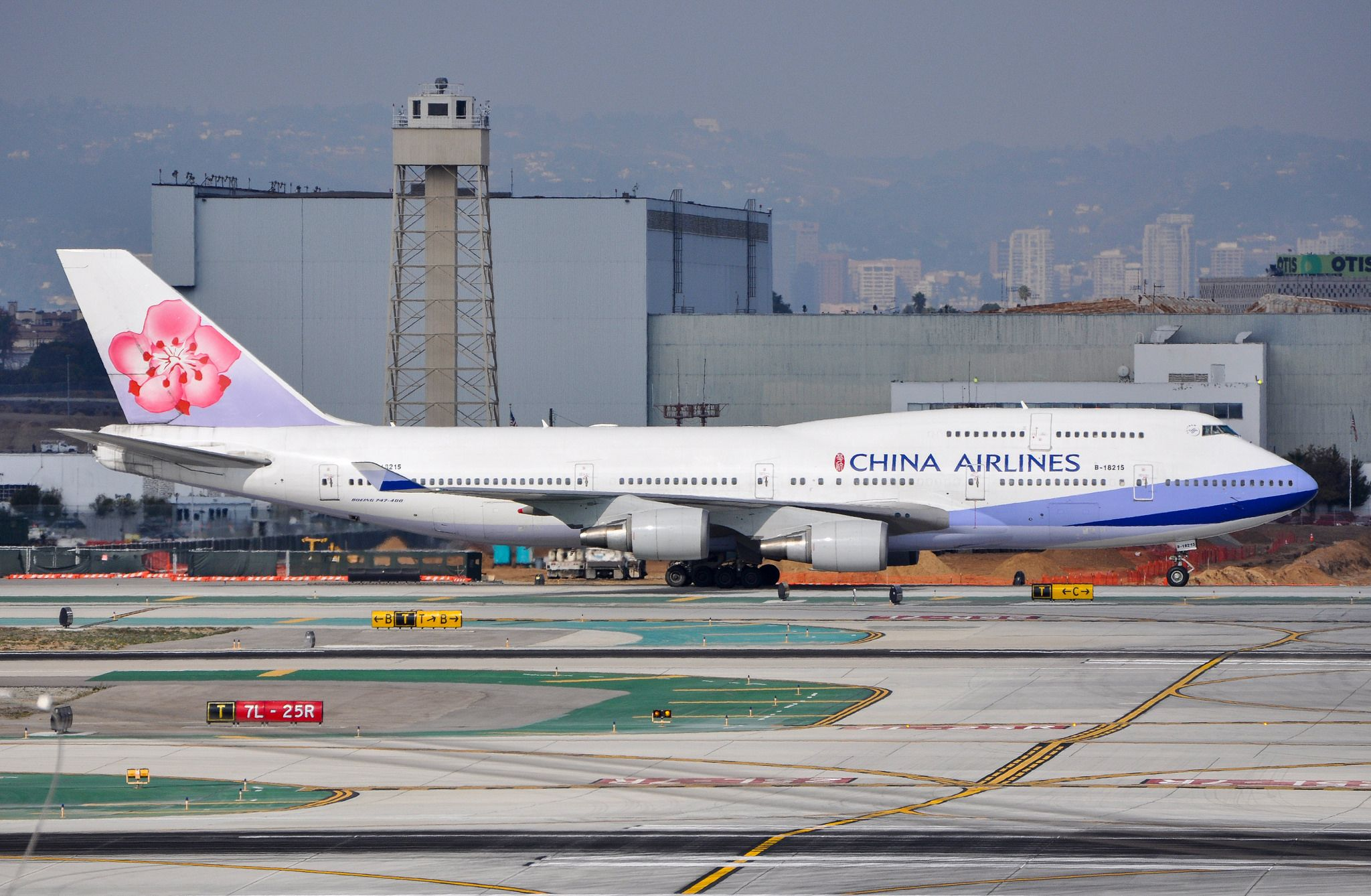 China Airlines 747409 at LAX_20131221 Boeing 747