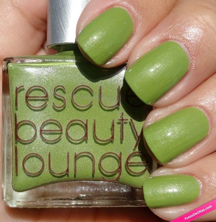 Diseño de uñas simples color verde kiwi. #Kiwi #Verdes #Uñas ...