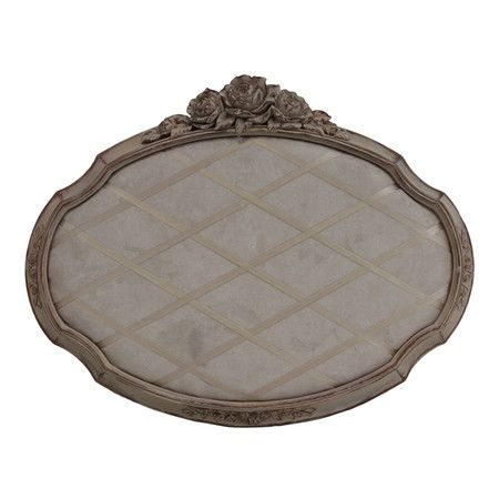 Bring eye-catching style to your home decor with this charming design, artfully crafted for lasting appeal.   Product: Memory board