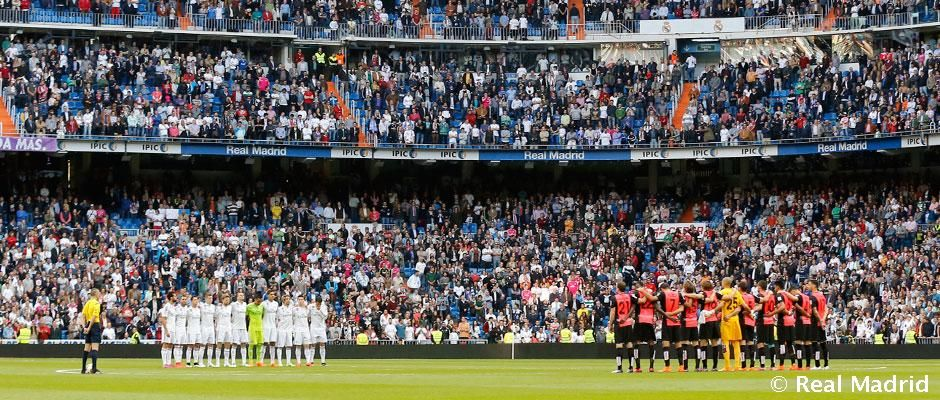The Santiago Bernabéu observed a minute's silence before kick-off of the game between Real Madrid and Almería for the victims of the earthquake in Nepal.