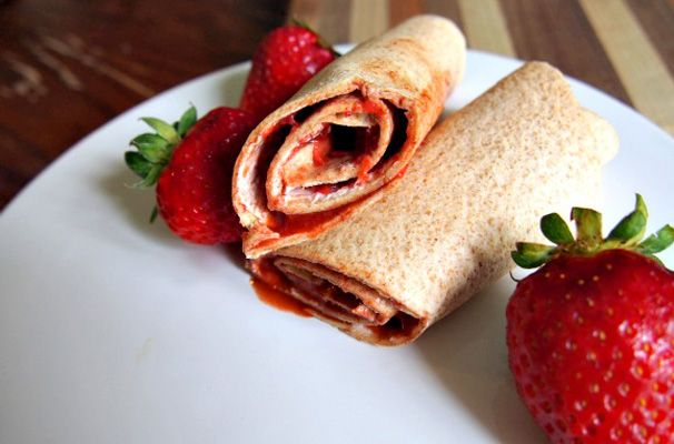 A Tasty Strawberry Roll-up for School Lunches - Kraft Recipes