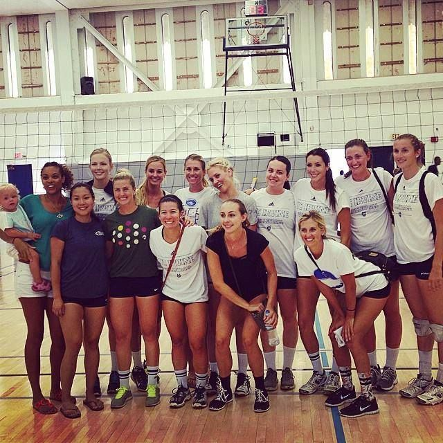 Grads Return To Participate In The 2014 15 Uci Women S Volleyball Alumni Match With Images Women Volleyball Volleyball Women