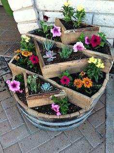 17 Best 1000 images about Whiskey Barrels Ideas on Pinterest Gardens