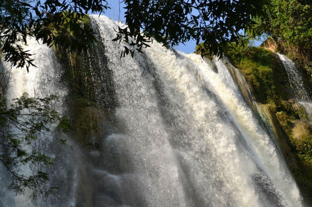Indahnya Alam Di Air Terjun Nglirip Tuban Air Terjun Pedesaan Air