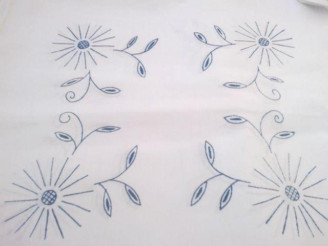 Pin By Genoveva Ortiz Hernandez On Bordados Servilletas Floral Embroidery