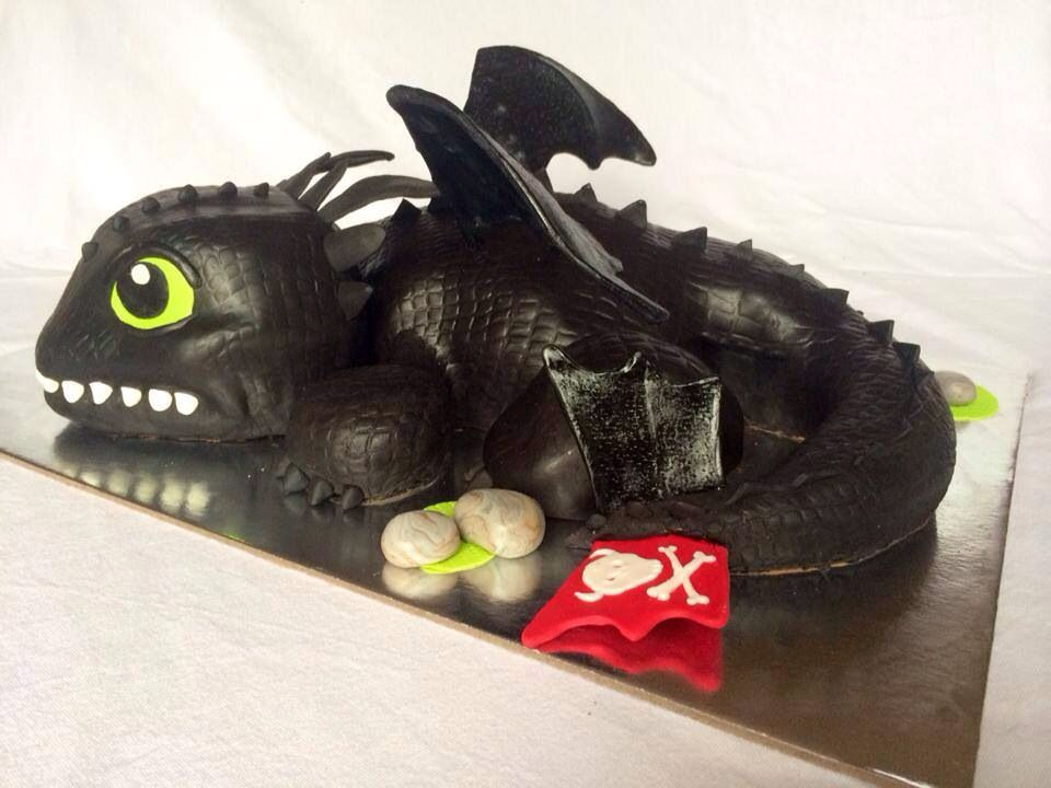 Toothless dragon cake black How To Train Your Dragon AA Events