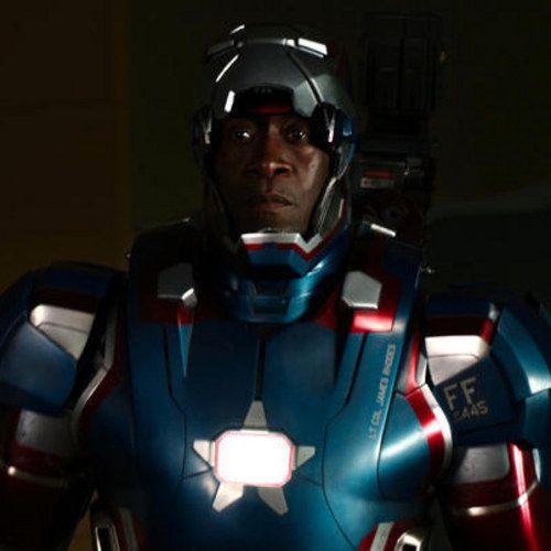 Iron Man 3 Photos Reveal Don Cheadle In His Iron Patriot War Machine Armor Iron Man Iron Man 3 War Machine Iron Man
