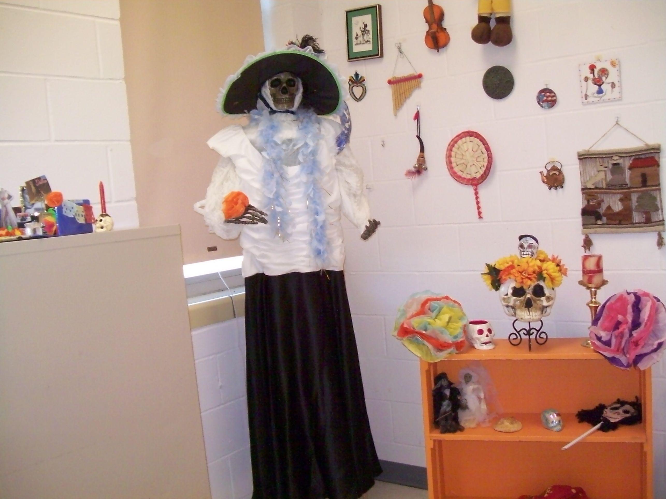La Catrina en la sala de español