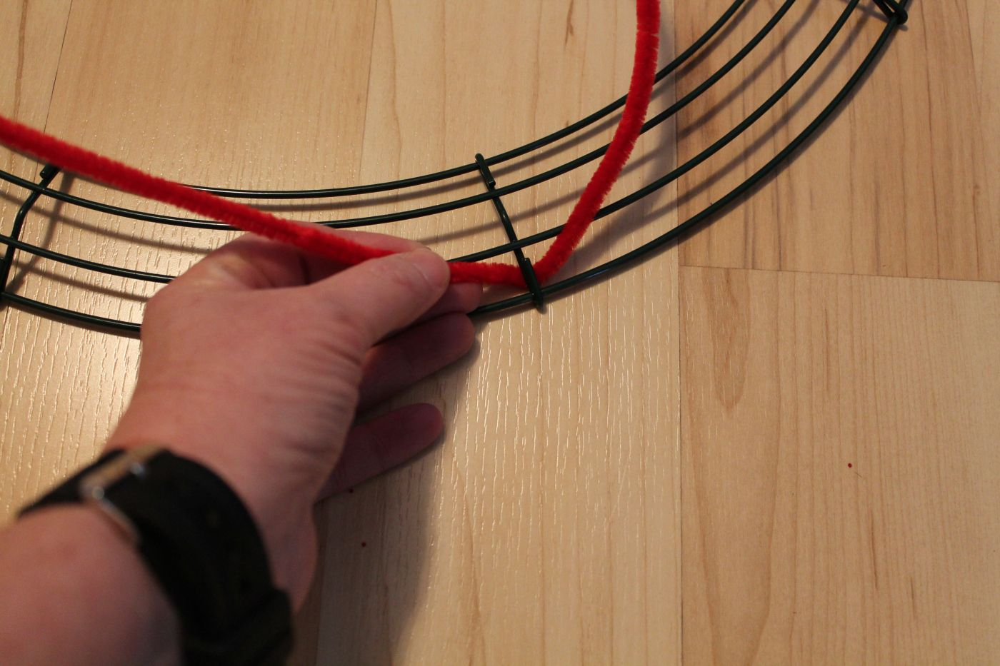 Crafting A Mesh Ribbon Wreath Base With Pipe Cleaners