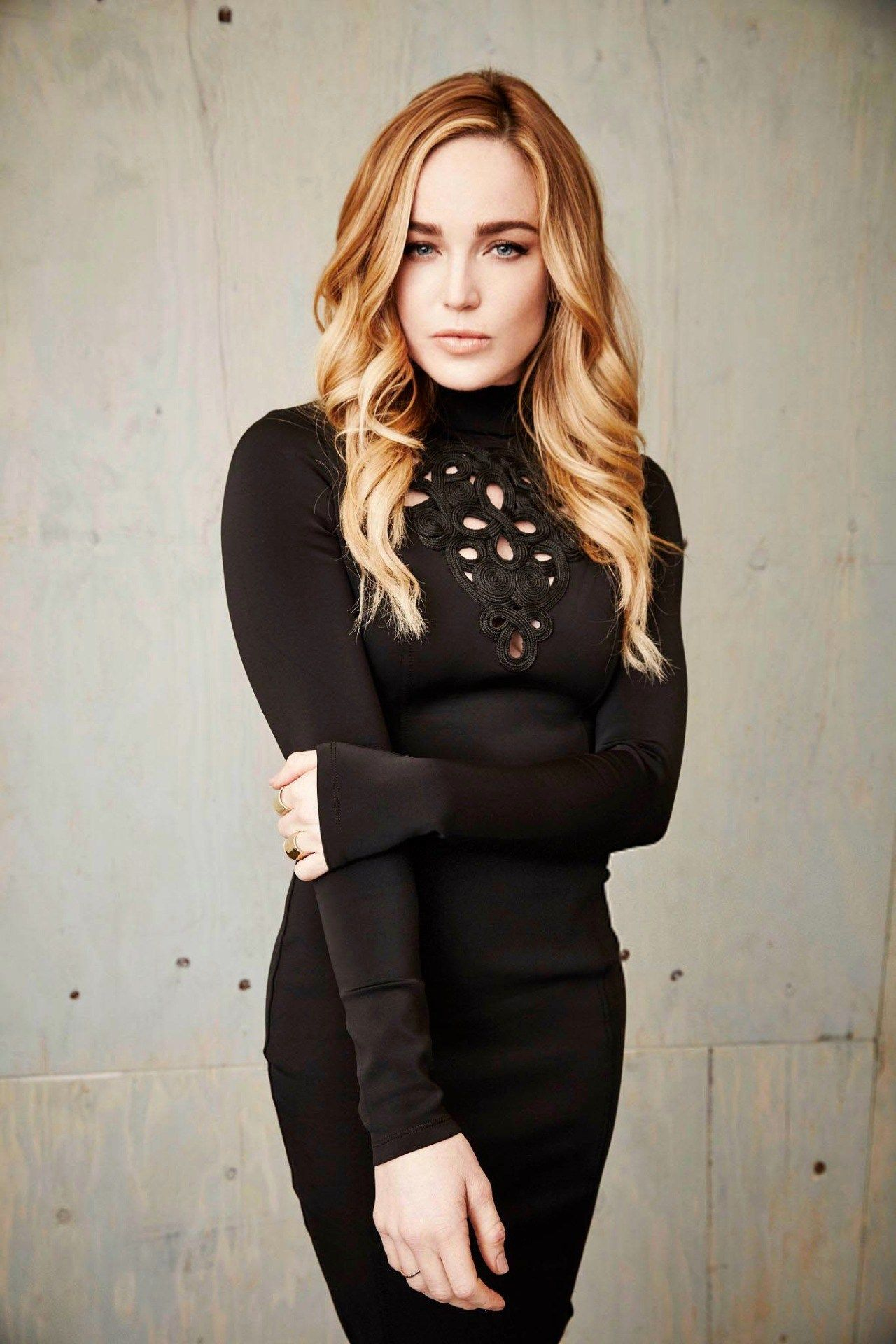 38 Hot Pictures Of Caity Lotz Sara Lance White Canary In